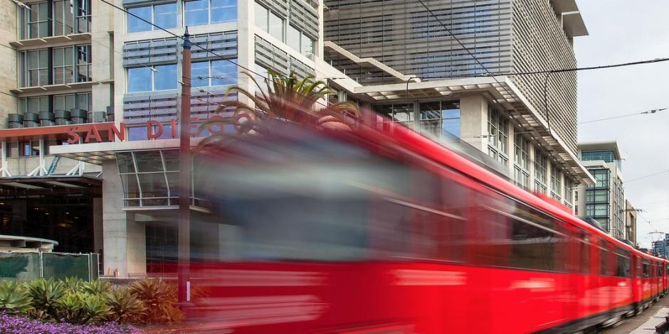 Downtown trolley - narrow
